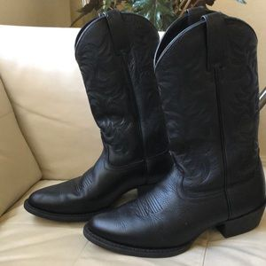 New! ARIAT Heritage Boots Black Size 9.5